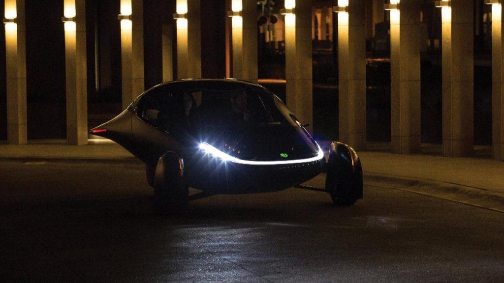 100 km hıza 3,5 saniyede çıkıyor… Güneş enerjisiyle çalışan otomobil seri üretime geçti